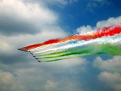 240px-Festa_della_republica_2005_con_frecce_tricolori