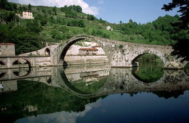 Ponte della Maddalena, Tuscany
