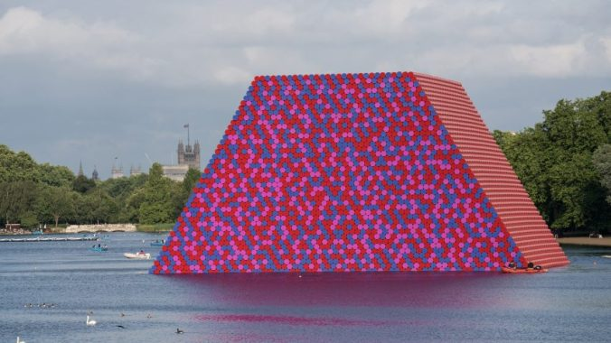 christo-the-london-mastaba-serpentine_dezeen_2364_hero-852x479