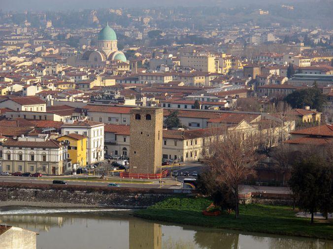 800px-Villa_la_vedetta,_vista_06_torre_della_zecca,_sinagoga