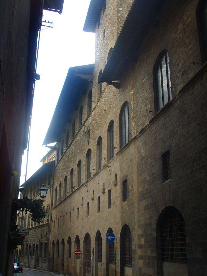 800px-Palazzo_de'_Mozzi